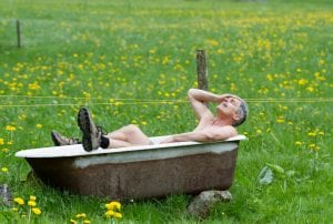 david-in-bath-tub-switzerland
